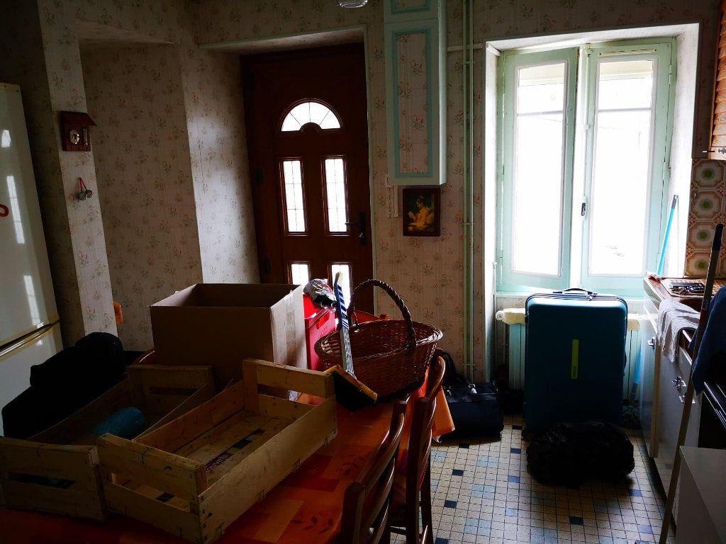 Maison à vendre 4 100m2 à Fresnay-sur-Sarthe vignette-4