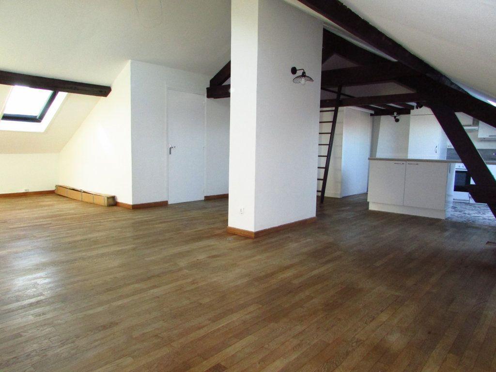 Appartement à louer 2 45.88m2 à Vandoeuvre-lès-Nancy vignette-1