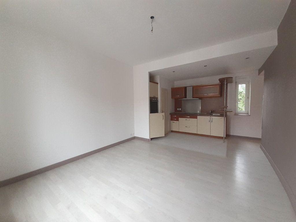 Appartement à louer 3 61.06m2 à Nancy vignette-2