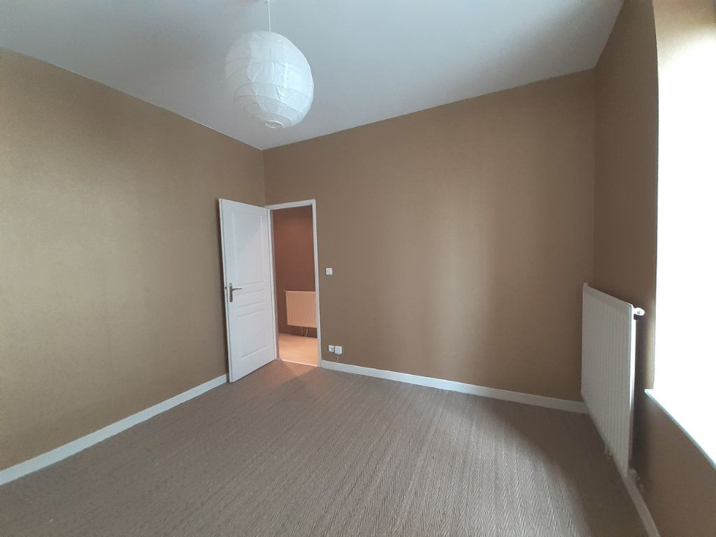 Appartement à louer 3 61.06m2 à Nancy vignette-6