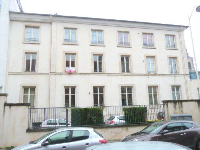 Appartement à louer 3 61.06m2 à Nancy vignette-8
