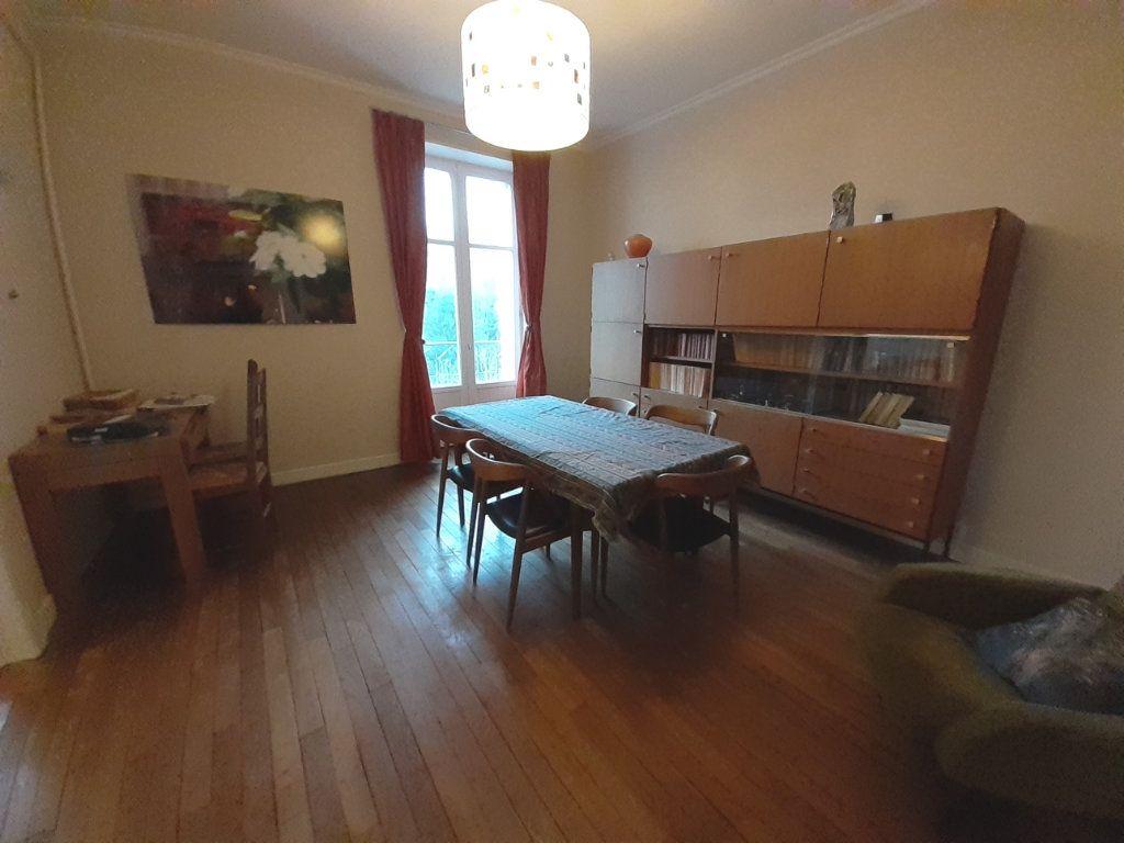 Appartement à louer 4 120m2 à Nancy vignette-2