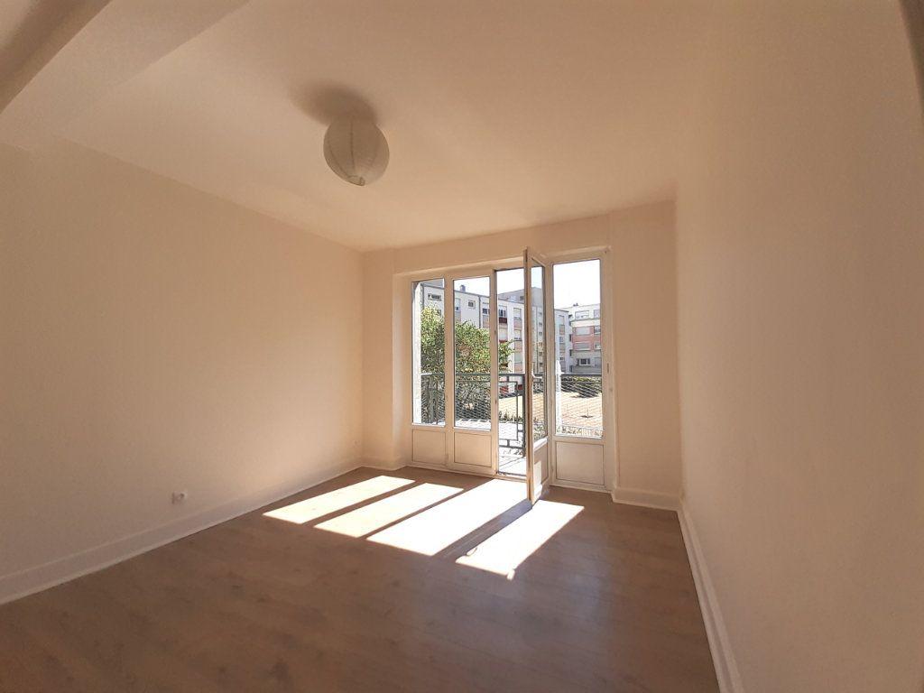Appartement à louer 3 95m2 à Vandoeuvre-lès-Nancy vignette-1