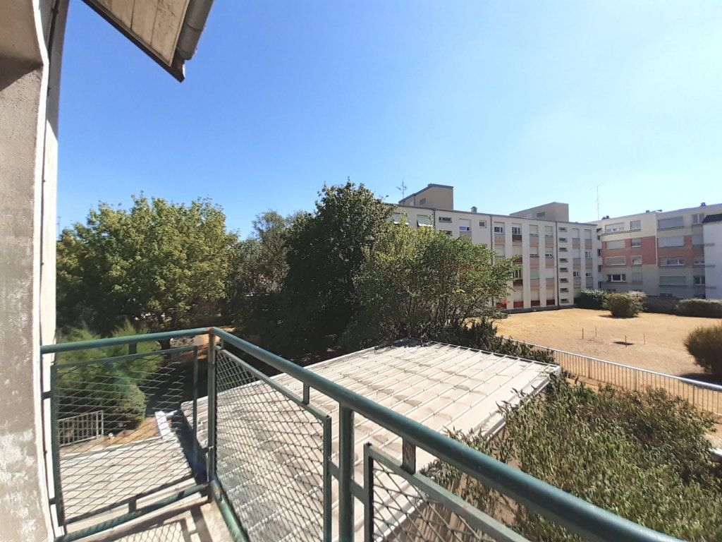 Appartement à louer 3 95m2 à Vandoeuvre-lès-Nancy vignette-3