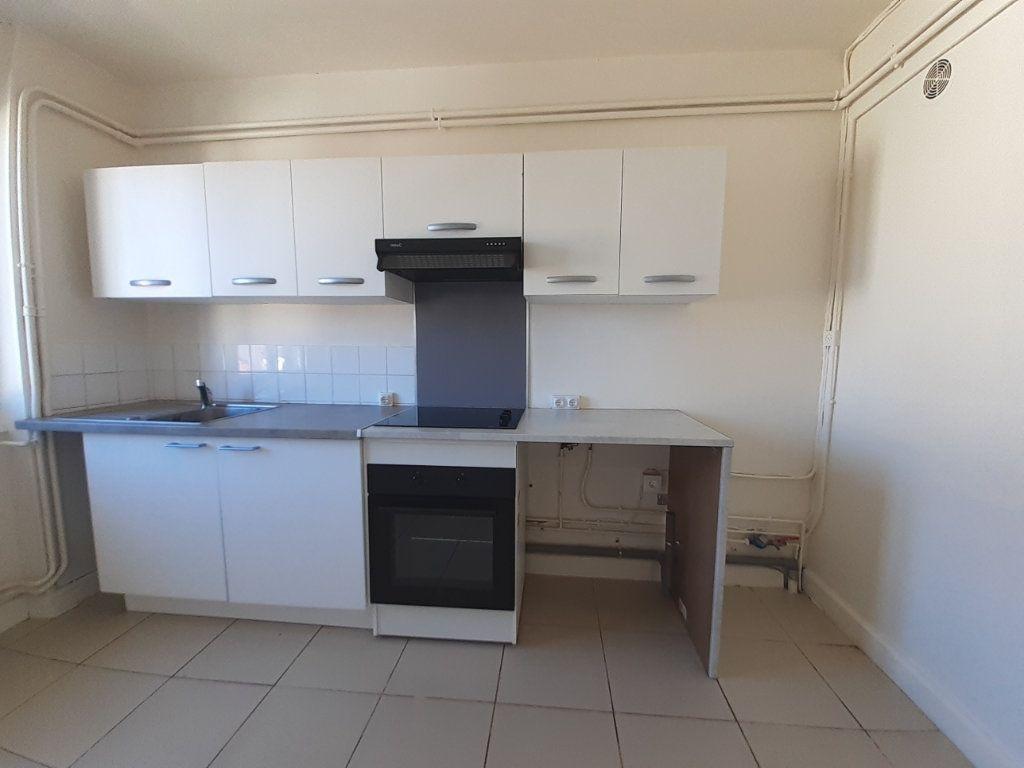 Appartement à louer 3 95m2 à Vandoeuvre-lès-Nancy vignette-4