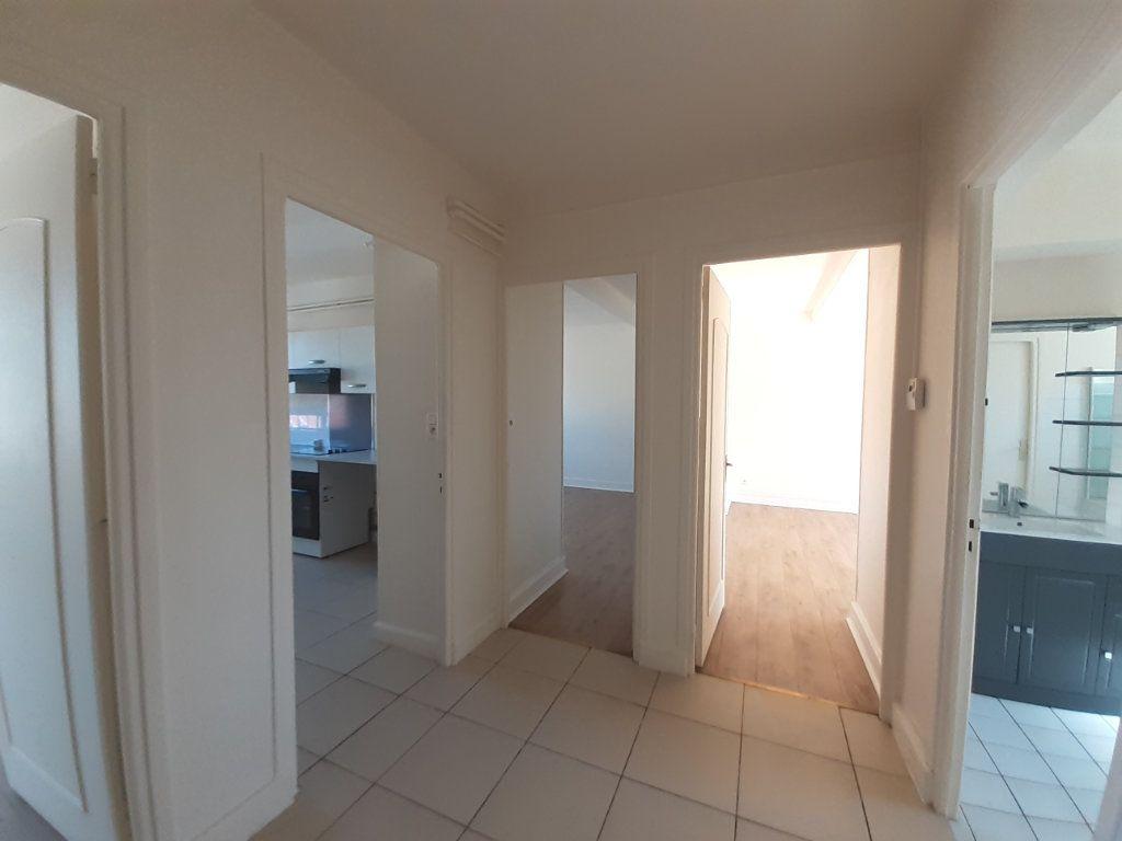 Appartement à louer 3 95m2 à Vandoeuvre-lès-Nancy vignette-5