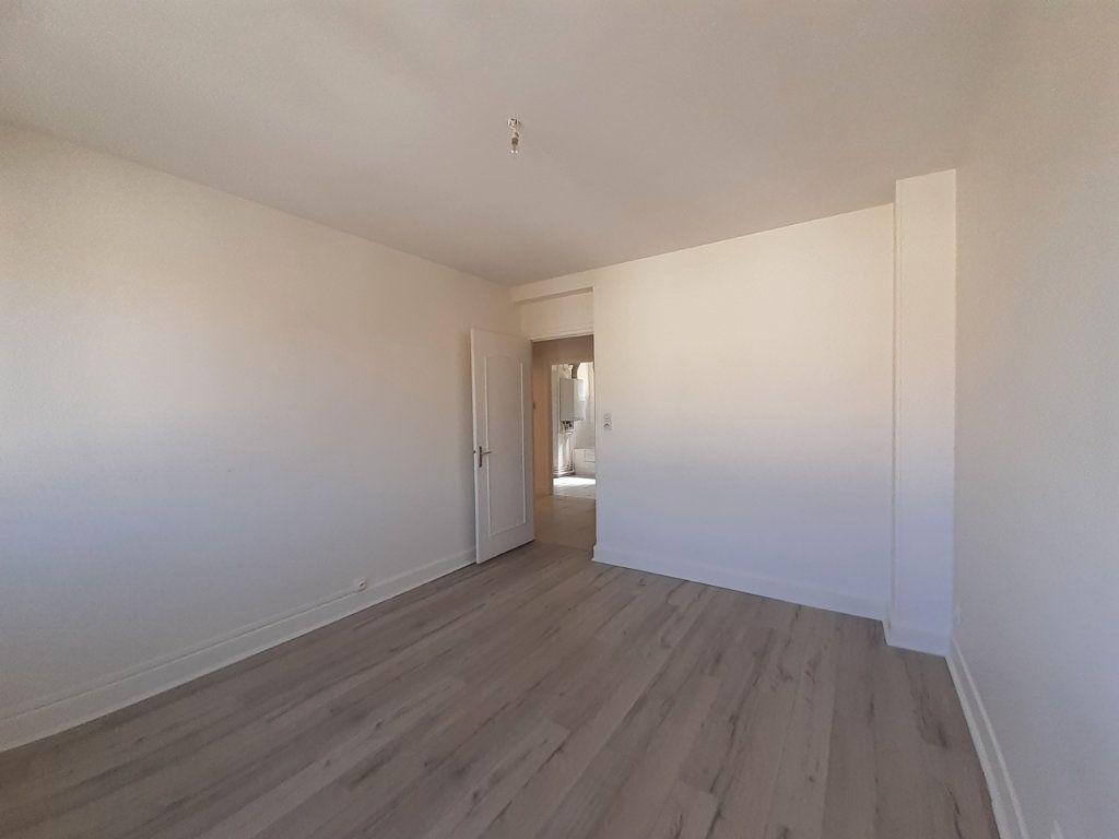 Appartement à louer 3 95m2 à Vandoeuvre-lès-Nancy vignette-7