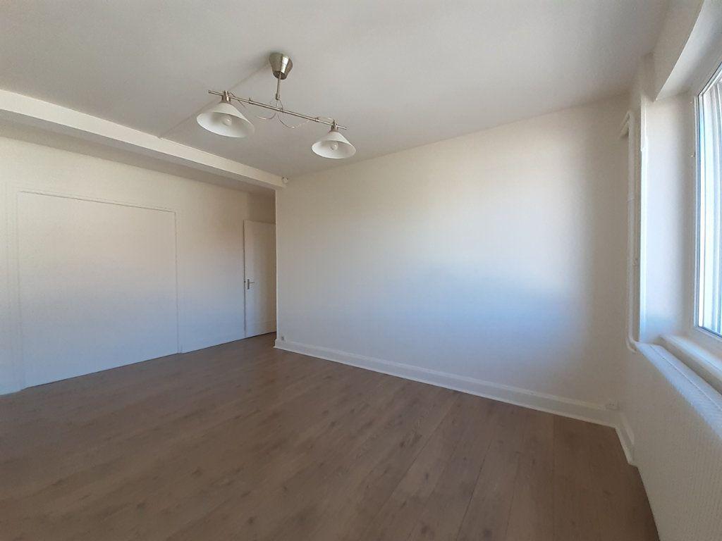 Appartement à louer 3 95m2 à Vandoeuvre-lès-Nancy vignette-8