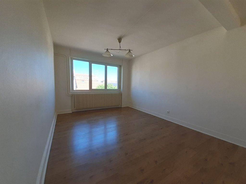Appartement à louer 3 95m2 à Vandoeuvre-lès-Nancy vignette-9