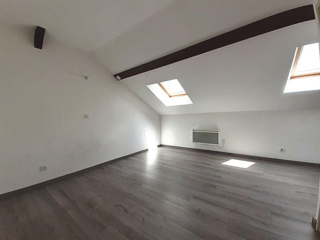 Appartement à louer 1 14.57m2 à Nancy vignette-2