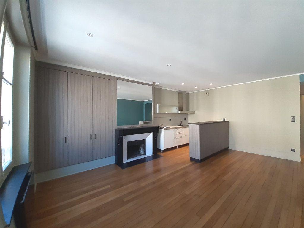 Appartement à louer 2 48.73m2 à Nancy vignette-1