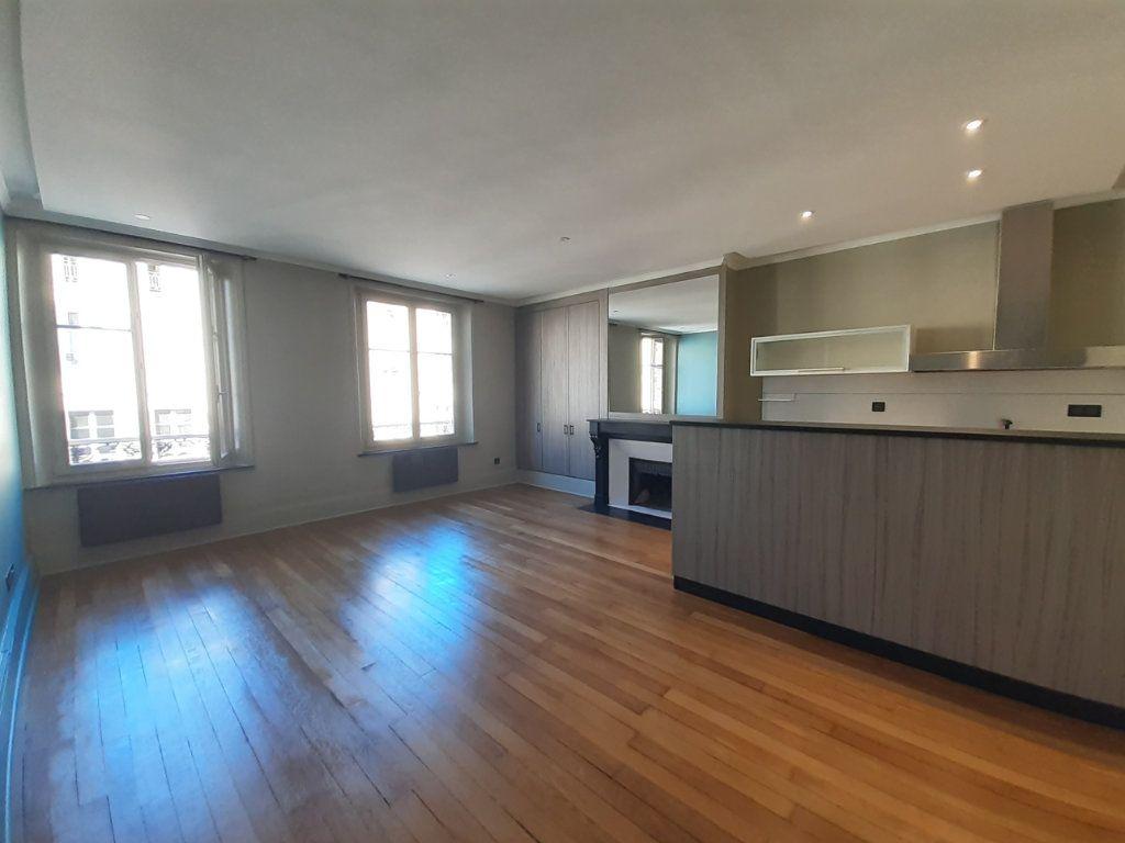 Appartement à louer 2 48.73m2 à Nancy vignette-2