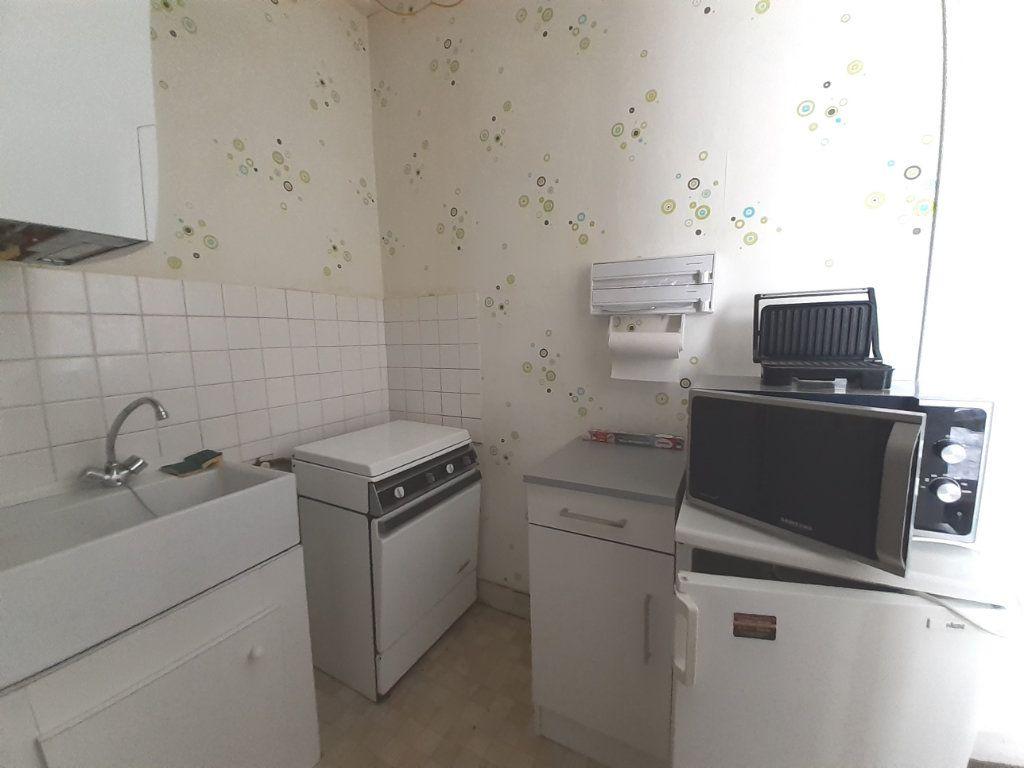 Appartement à louer 1 18m2 à Nancy vignette-3