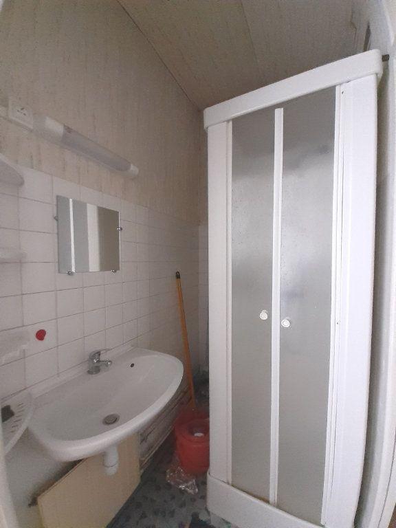 Appartement à louer 1 18m2 à Nancy vignette-4