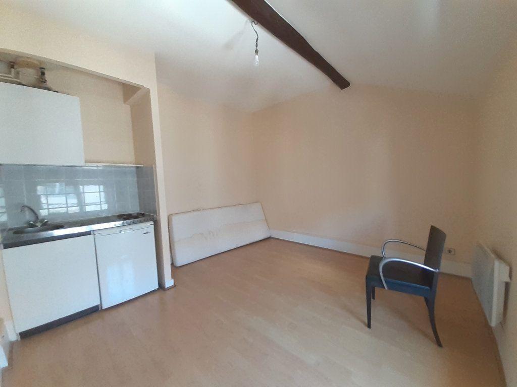 Appartement à louer 1 17m2 à Nancy vignette-1