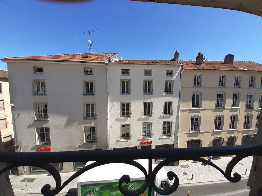 Appartement à louer 1 17m2 à Nancy vignette-4
