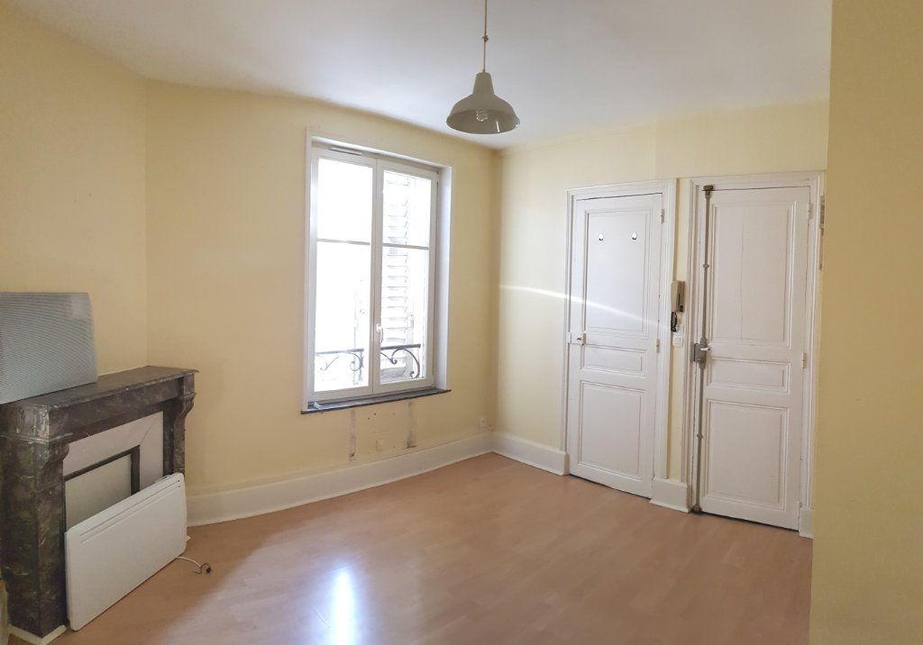 Appartement à louer 1 17.67m2 à Nancy vignette-1