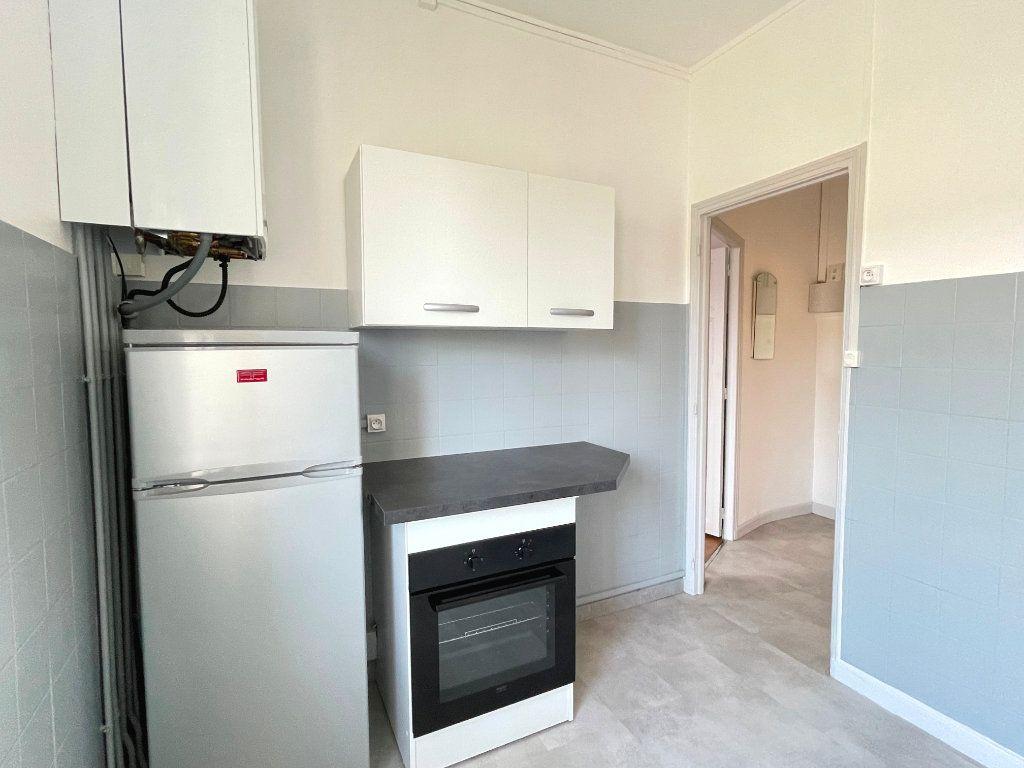 Appartement à louer 2 32.86m2 à Laxou vignette-2