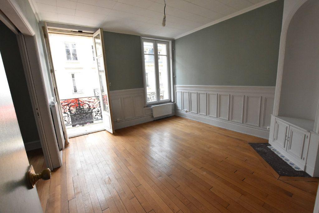 Appartement à louer 3 63m2 à Nancy vignette-2