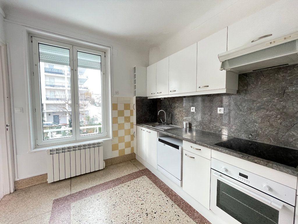 Appartement à louer 4 97.14m2 à Vandoeuvre-lès-Nancy vignette-1