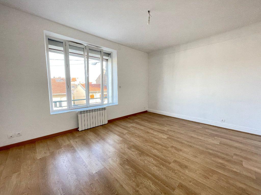 Appartement à louer 4 97.14m2 à Vandoeuvre-lès-Nancy vignette-3