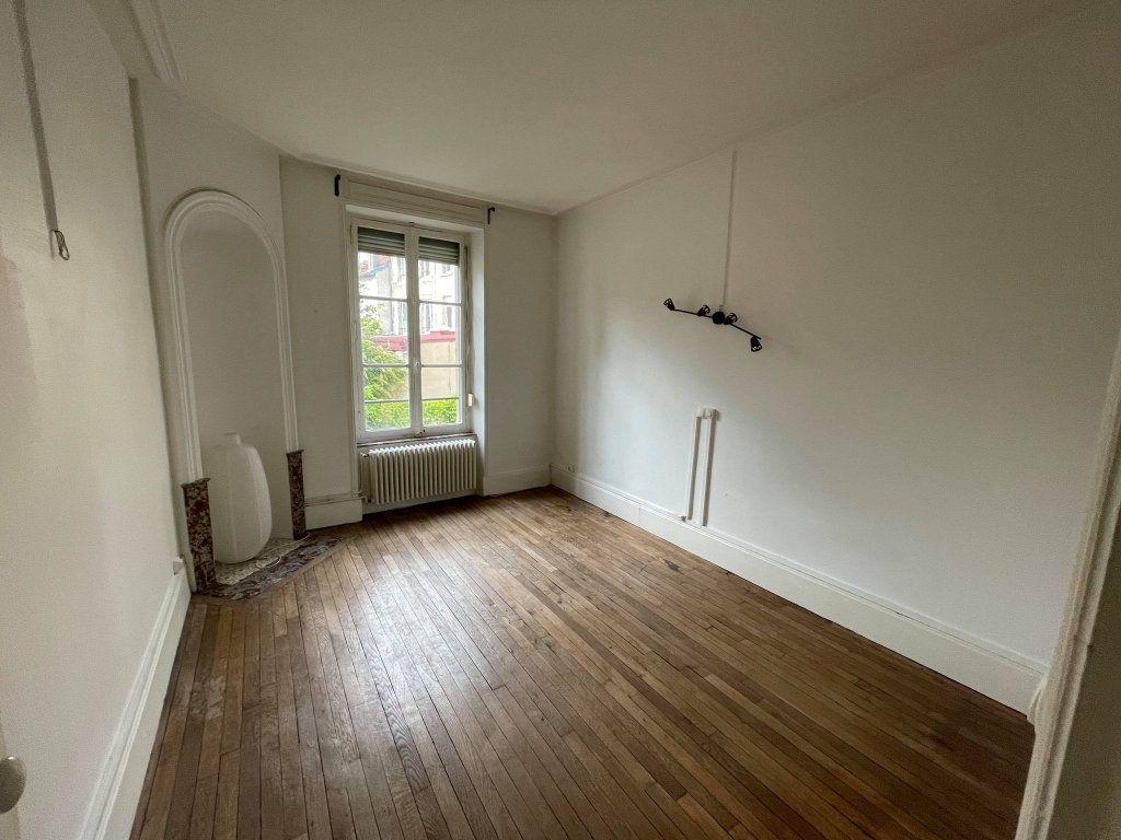 Appartement à louer 3 67.6m2 à Nancy vignette-3