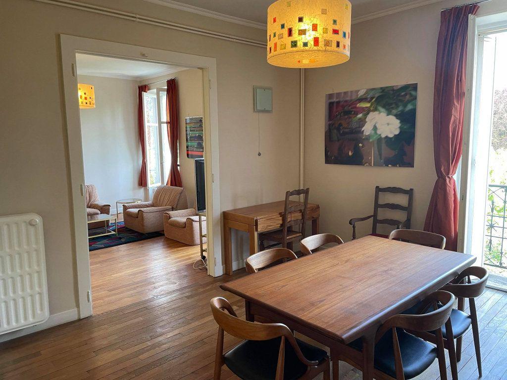 Appartement à louer 4 117.19m2 à Nancy vignette-2