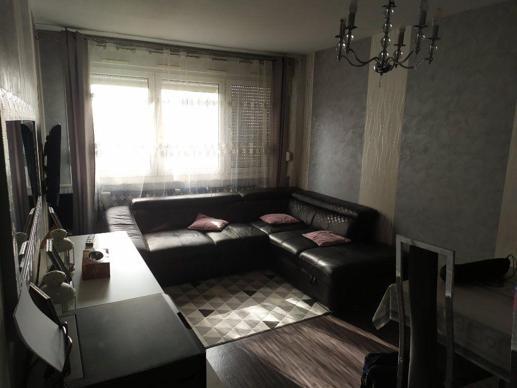 Appartement à louer 4 73.88m2 à Laxou vignette-1