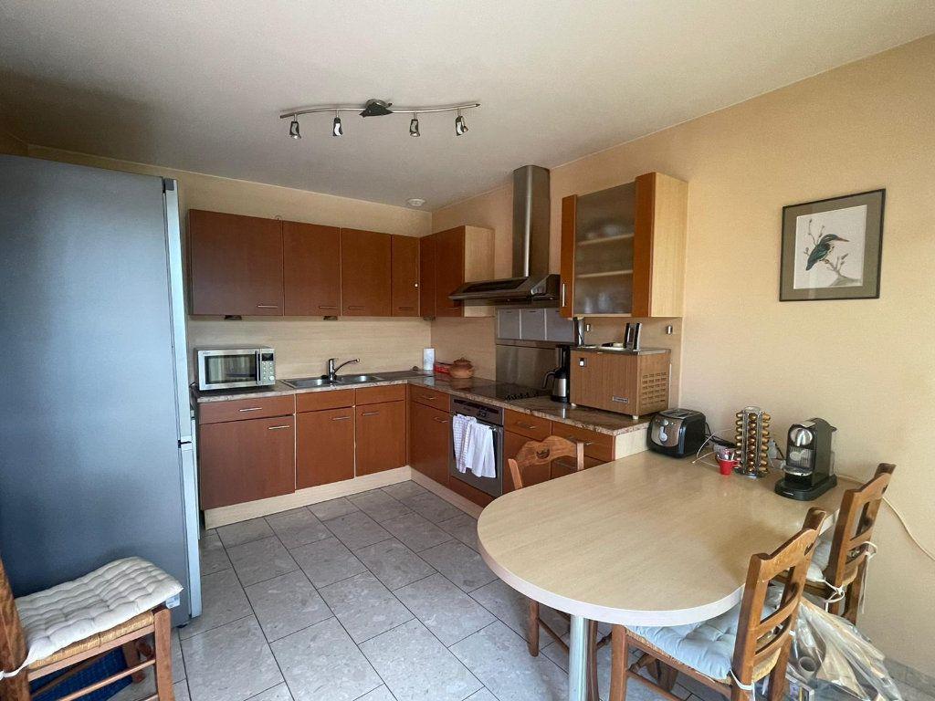 Appartement à louer 4 111m2 à Nancy vignette-2