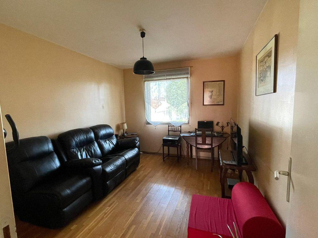 Appartement à louer 4 111m2 à Nancy vignette-3
