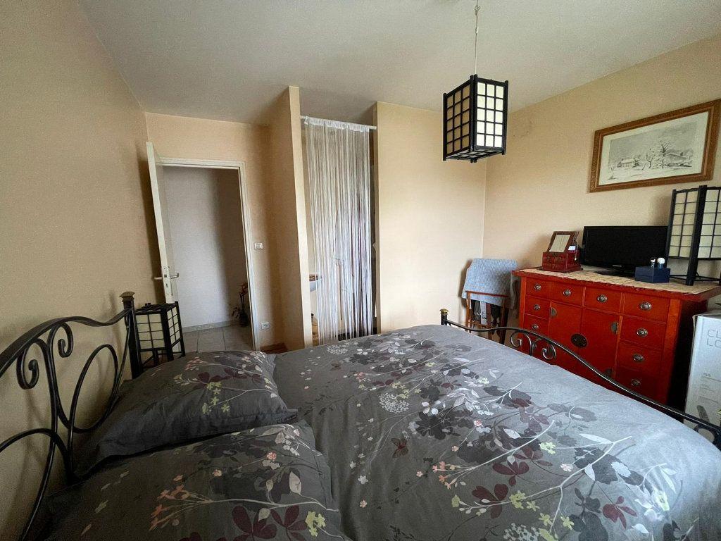 Appartement à louer 4 111m2 à Nancy vignette-4