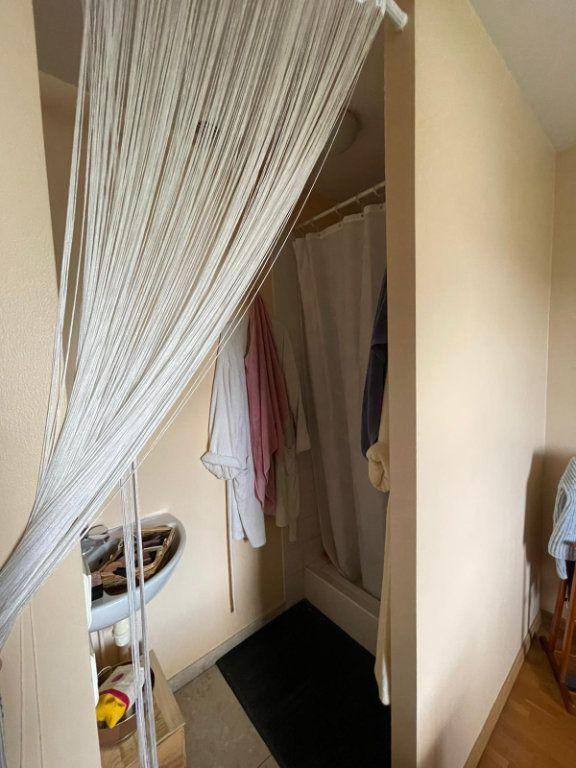 Appartement à louer 4 111m2 à Nancy vignette-6