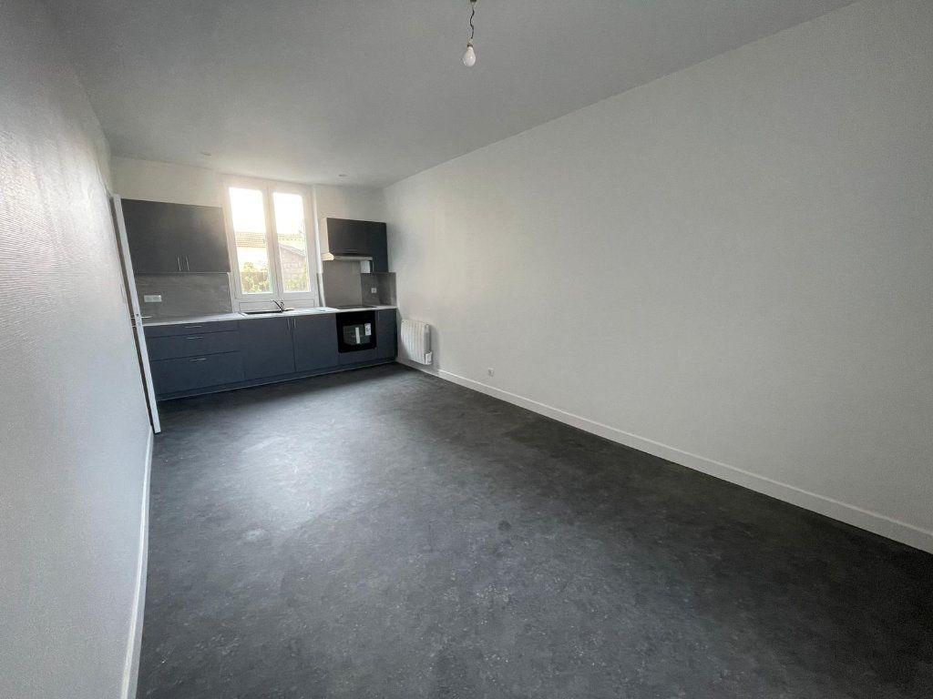 Appartement à louer 1 24.01m2 à Blénod-lès-Pont-à-Mousson vignette-2