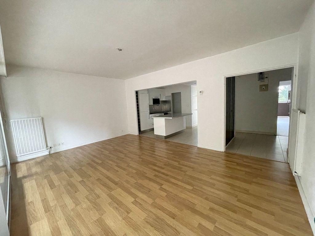 Appartement à louer 3 78.34m2 à Nancy vignette-2