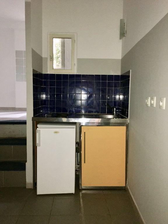 Appartement à louer 1 31.19m2 à Montpellier vignette-3