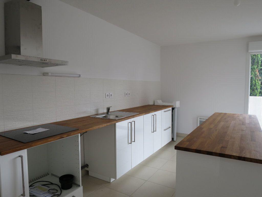 Appartement à louer 3 63.5m2 à Montpellier vignette-2