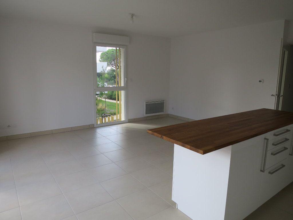 Appartement à louer 3 63.5m2 à Montpellier vignette-3