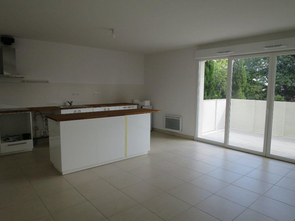 Appartement à louer 3 63.5m2 à Montpellier vignette-4