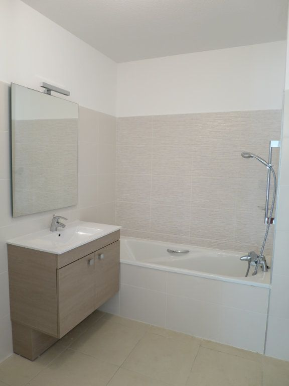 Appartement à louer 3 63.5m2 à Montpellier vignette-11