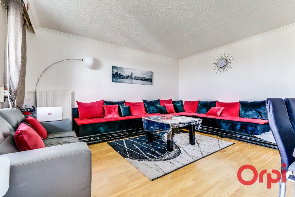 Appartement à vendre 5 96m2 à Rosny-sous-Bois vignette-3