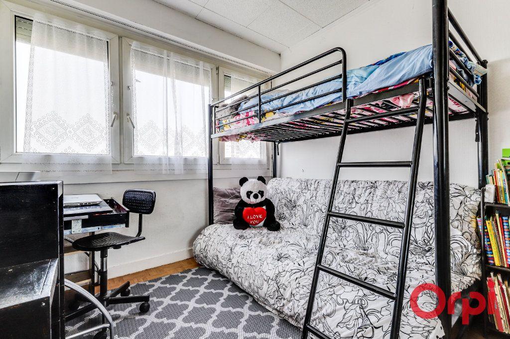 Appartement à vendre 5 96m2 à Rosny-sous-Bois vignette-6
