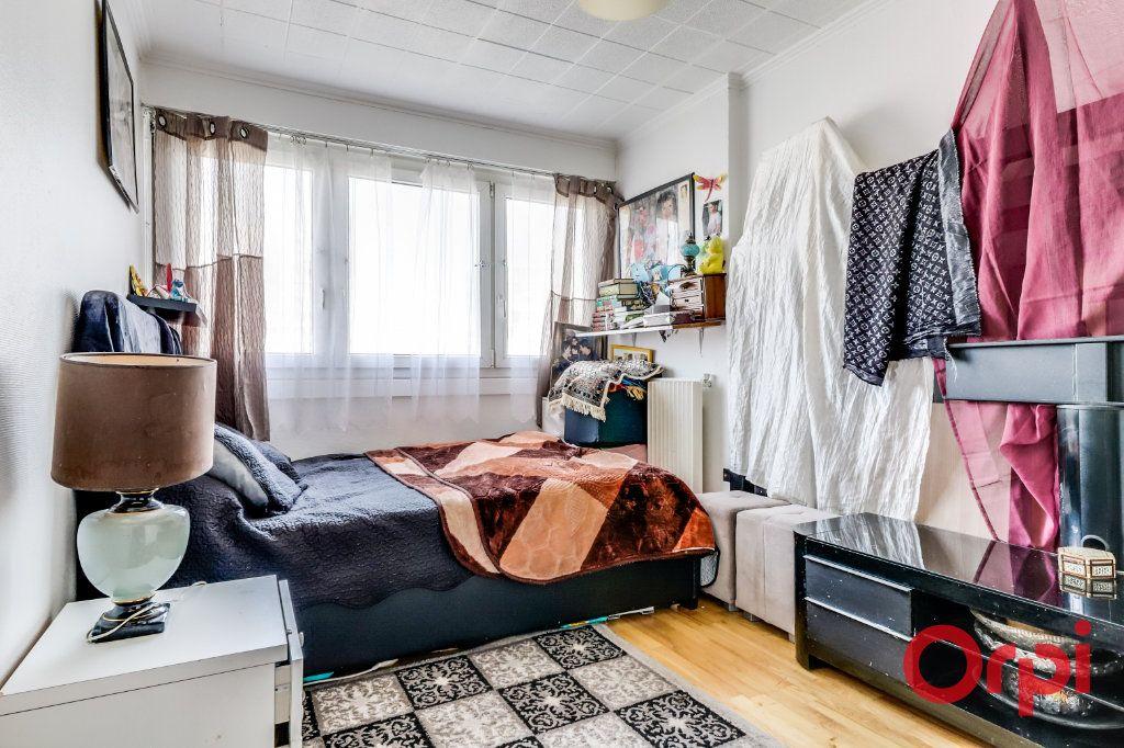 Appartement à vendre 5 96m2 à Rosny-sous-Bois vignette-8