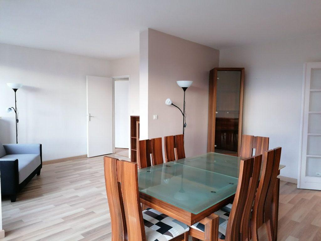 Appartement à louer 3 78.14m2 à Montataire vignette-2