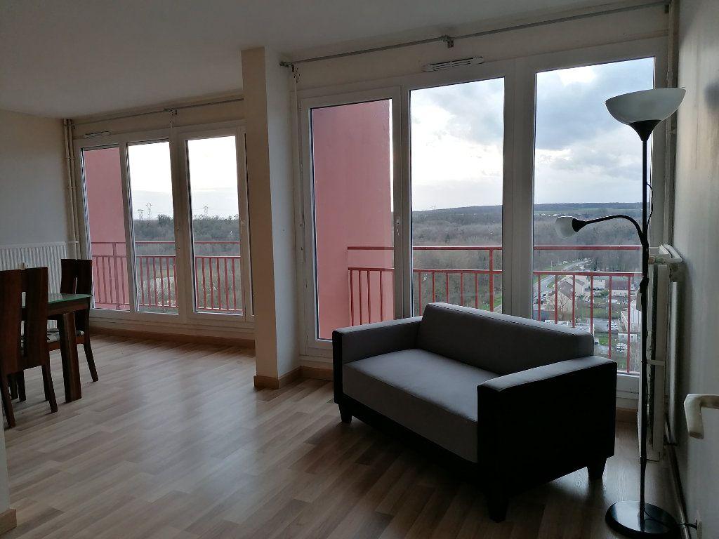 Appartement à louer 3 78.14m2 à Montataire vignette-3