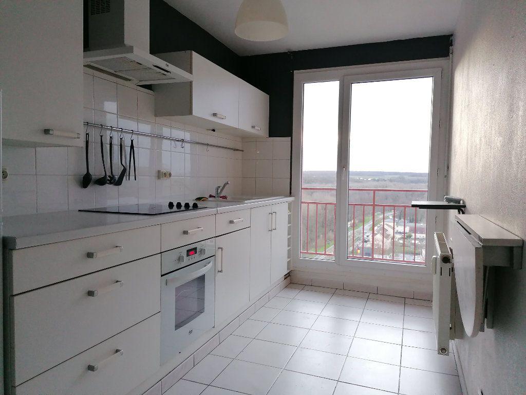 Appartement à louer 3 78.14m2 à Montataire vignette-4