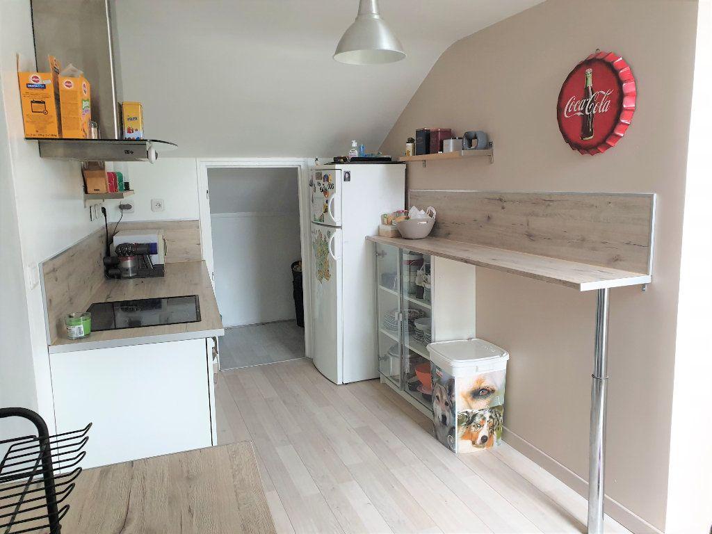 Appartement à vendre 4 64.09m2 à Luzarches vignette-4