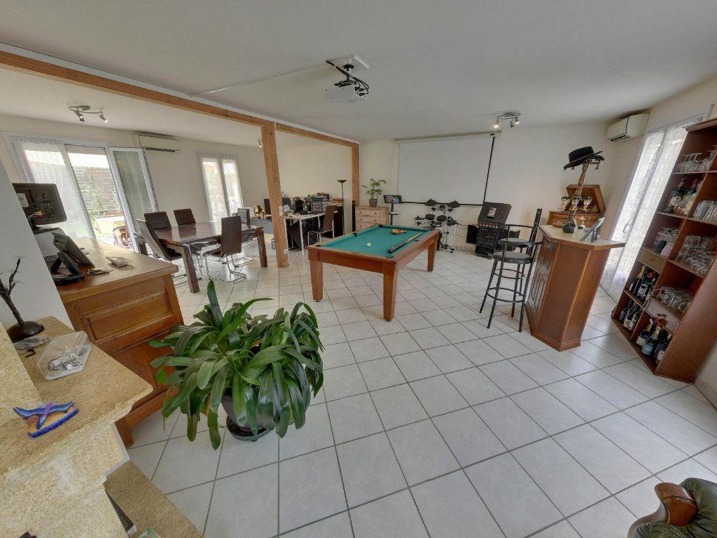 Maison à vendre 8 180m2 à Orry-la-Ville vignette-3