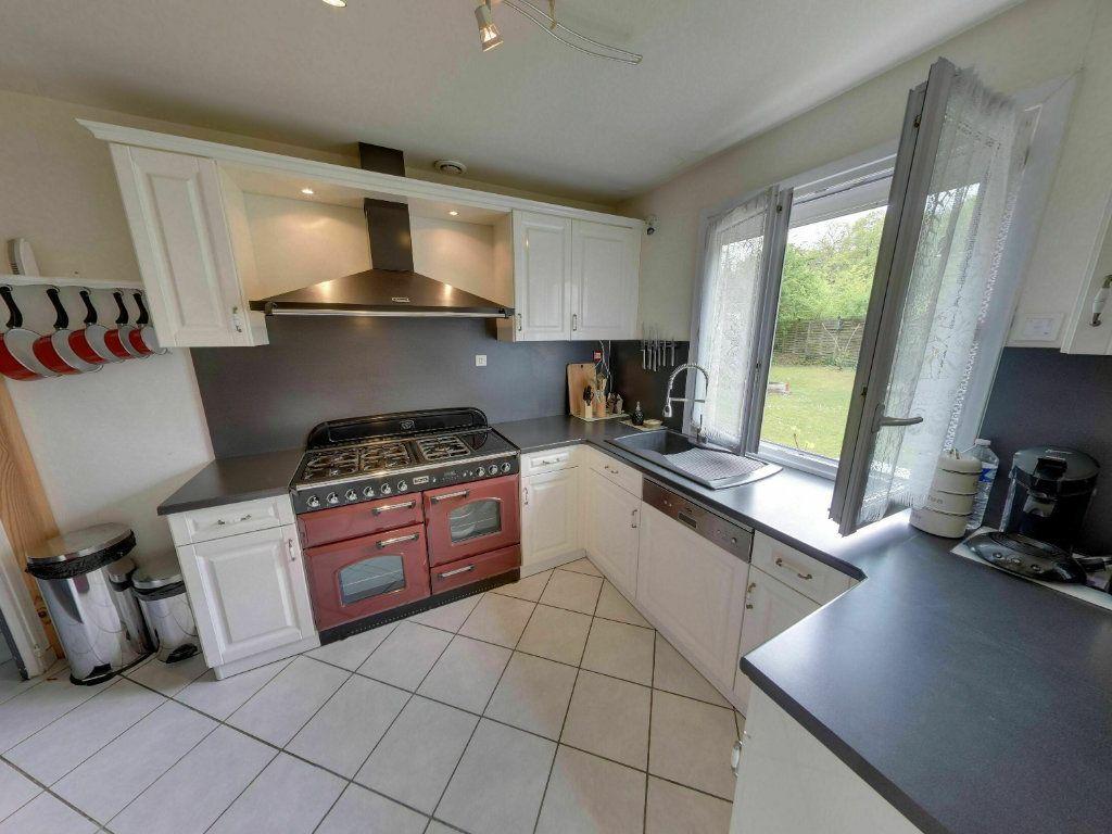 Maison à vendre 8 180m2 à Orry-la-Ville vignette-4