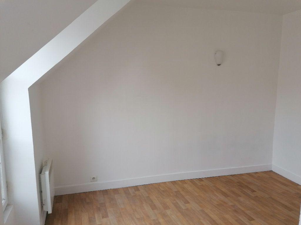 Appartement à louer 2 28.84m2 à Écouen vignette-3
