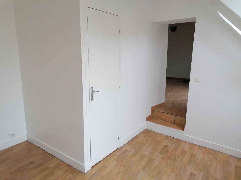 Appartement à louer 2 28.84m2 à Écouen vignette-4